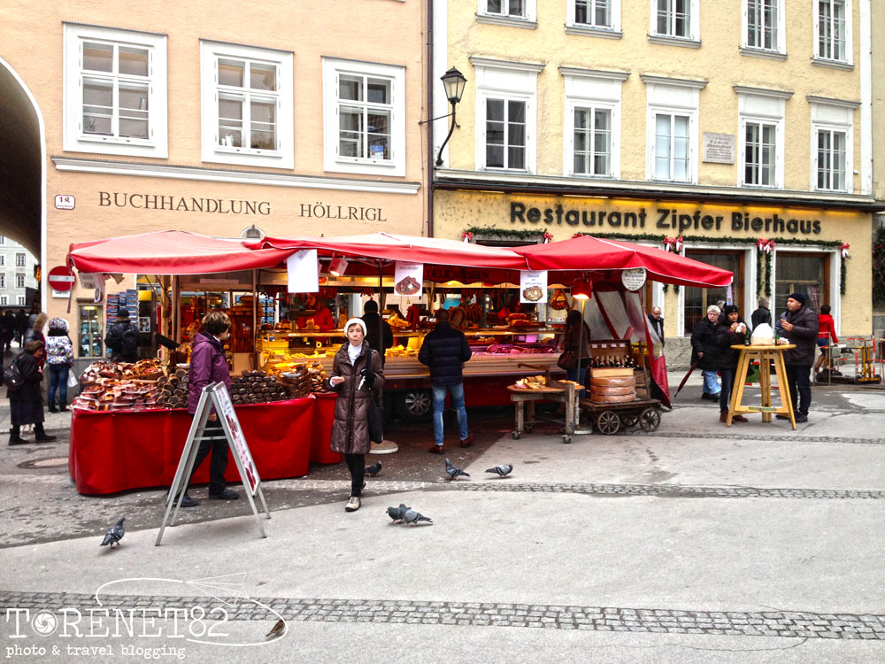 salisburgo mercato Universitatsplatz